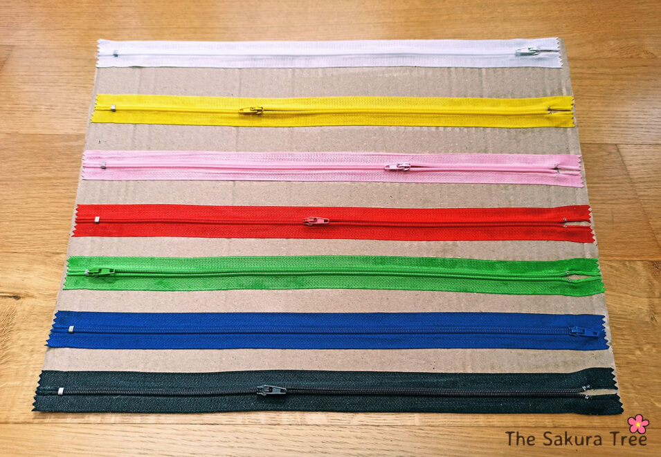 DIY zipper board for kids - thesakuratree.com
